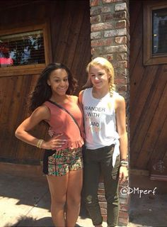 Help!I love Nia And chloe so much there my fav!but...Who should i pick comment Chloe Or nia Or both!