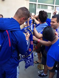 chelseafc Chelsea FC 3h Fernando Torres signs some autographs on arrival at the pre-game hotel in Indianapoli