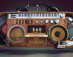 다음 @Behance 프로젝트 확인: \u201cPub Music\u201d https://www.behance.net/gallery/20056815/Pub-Music