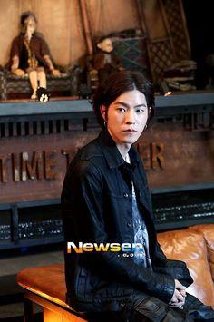 Hong jonghyun nana dating games