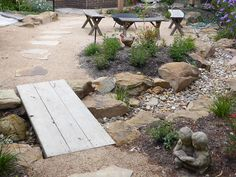 Front House Landscaping, Backyard Landscaping, Landscaping Ideas, Patio Ideas, Outdoor Ideas, Backyard Ideas, Outdoor Decor, Rain Garden, Garden Bridge