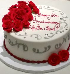Red rose bouquet anniversary cake #carlosbakery