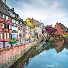 Colmar, petite Venise, canal de l eau et maisons traditionnelles. Alsace, France.