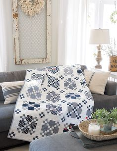 To the Nines by Camille Roskelley from Blue & White Quilts published by Martingale with 13 remarkable quilts with timeless appeal. Black And White Quilts, Blue And White Fabric, White Fabrics, White Rugs, Blue Fabric, Two Color Quilts, Blue Quilts, Scrappy Quilts, Colorful Quilts