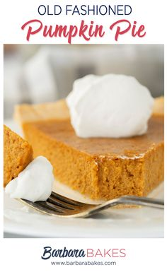 How to make homemade pumpkin pie with Libby's pure pumpkin puree, warming spices and an unbaked pie crust. Best Pumpkin Pie, Homemade Pumpkin Puree, Pumpkin Pie Recipes, Homemade Pie, Homemade Cookies, Homemade Desserts, Baking Recipes, Cake Recipes, Thanksgiving Desserts