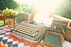 Libro de Firmas – Maquina de Escribir para Bodas Vintage #Boda, #LibrodeFirmas, #IdeasOriginales http://www.lacasadelosvestidos.com/?p=3600
