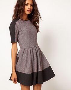 ASOS - Robe sweat color block à jupe patineuse