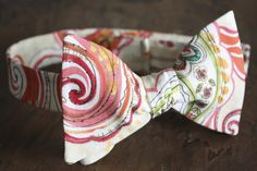 Bow Tie-Yellow Paisley