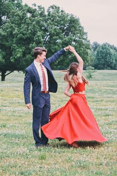 2019 Red Prom Dress Two Piece Prom Dress Long by PrettyLady on Zibbet - Prom Dresses Prom Pictures Couples, Prom Couples, Prom Photos, Prom Pics, Cute Homecoming Pictures, Teen Couples, Maternity Pictures, Halloween Costume Couple, Couples Halloween