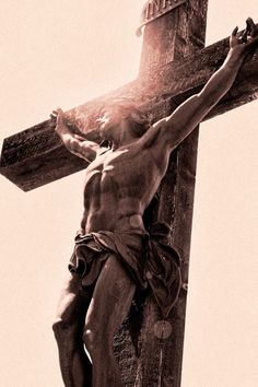 Jesus Christ on the CROSS dying for our sins. Christus Tattoo, Jesus Christus, Jesus Pictures, Jesus On The Cross, God Jesus, Christian Art, Faith In God, Religious Art, Jesus Loves