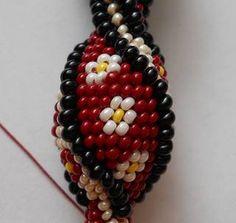 Beaded Wire Crochet Bracelet - Pattern and Instructions Crochet Bracelet Pattern, Crochet Beaded Bracelets, Bead Crochet Patterns, Bead Crochet Rope, Beaded Jewelry Patterns, Beading Patterns, Beaded Crochet, Beading Tutorials, Diy Schmuck