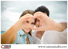 Holiday Engagement Session - www.cancunstudios.com - cancun beach photographer