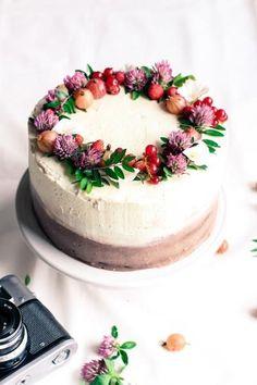 Black and white čokoládová torta (Black and white chocolate cake) Pretty Cakes, Beautiful Cakes, Amazing Cakes, Sweet Recipes, Cake Recipes, Dessert Recipes, Cake Cookies, Cupcake Cakes, Nake Cake