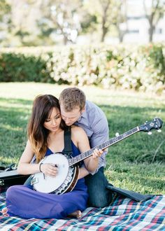 A super cute engagement shoot in Redwood City, California
