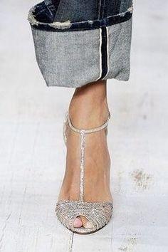 Ralph Lauren - The shoes: splendid. On the lapel of my jeans, instead, I would think . Ralph Lauren - The shoes: splendid. On the lapel of my jeans, instead, I would think for a moment . Stilettos, High Heels, Pumps, Pretty Shoes, Beautiful Shoes, Shoe Boots, Shoes Sandals, Paris Mode, Love Jeans
