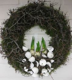 Simple Easter wreath with bonsai timber