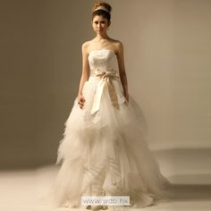 2012 Fall Strapless Net bridal gown with Natural waist
