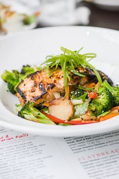 Norwegian salmon and sesame vegetables at Crave, Mall of America