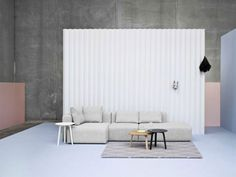 Modular Mags sofa is available in a range of shapes and fabrics Kadrat. Decoration and contemporary furniture in Paris Danish Furniture, Table Furniture, Furniture Design, Hay Design, Design Shop, House Design, Home Decoracion, Lounge Sofa, Furniture Companies