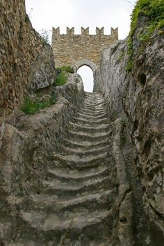 Sicily: Worn by countless medieval soldiers over the centuries, these stone stairs lead to Sperlinga Castle. In the year during the period of the Sicilian Vespers, a French garrison barricaded itself inside, resisting the siege for an entire year Places To Travel, Places To See, Chateau Medieval, Medieval Castle, Stone Stairs, Castle Ruins, Stairway To Heaven, Abandoned Places, Beautiful Places