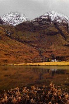 Loch Achtriochtan, Glencoe, Scottish Highlands in winter
