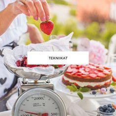 Helppo Marjamousse (korkean kakun täytteeksi)   Annin Uunissa Chocolate Fondue, Cheddar, Food And Drink, Drinks, Desserts, Cakes, Bite Size, Drinking, Tailgate Desserts