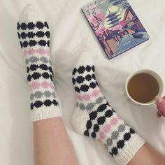Kuvahaun tulos haulle marisukat Socks, Knitting, Diy, Google, Tricot, Bricolage, Breien, Sock, Weaving
