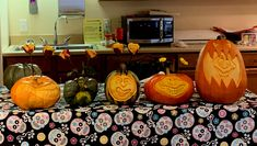 Pumpkin Pictures, Halloween 2019, Pumpkin Carving, Vegetables, Veggies, Vegetable Recipes, Pumpkin Topiary