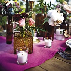 A simple DIY project to add some color to your tables. Dip-dyed ombré linens look stunning in this tablescape by Stockroom Vintage!