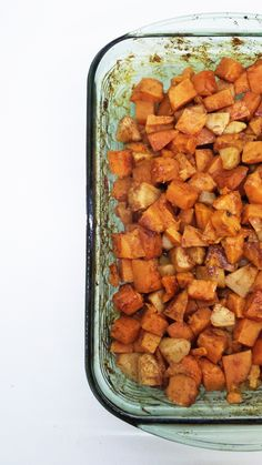 Indulge in this sweet side dish of sweet potatoes and apples coated with a honey and cinnamon glaze and baked to tender perfection! Potato And Apple Recipe, Sweet Potato And Apple, Sweet Potato Recipes, Apple Recipes, Fall Recipes, Holiday Recipes, Holiday Foods, Christmas Recipes, Vegetarian Recipes