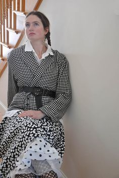 Short Suitcase Jacket - Patterned Wool Blend, Black Small Houndstooth