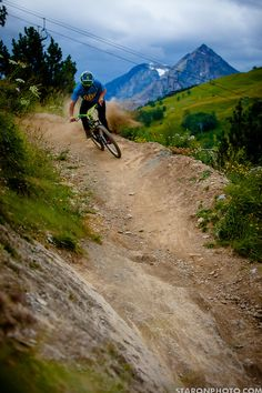 Kicking up some dust in the Alps #mtb