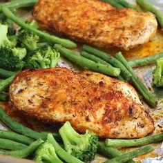 May this new week be great for all of us. And if this week your goal is to eat better or healthier, I hope this easy spicy chicken meal-prep recipe helps you to achieve it 👊😘😋 . These paleo-friendly, gluten-free, and low-carb Spicy Chicken Meal Lunch Meal Prep, Meal Prep Bowls, Easy Meal Prep, Easy Healthy Dinners, Healthy Meal Prep, Keto Meal, Meal Prep For The Week Low Carb, Meal Prep Low Carb, Meal Prep Menu