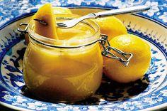 Sitruunalla terästetty päärynähillo Moscow Mule Mugs, Preserves, Lemon, Food And Drink, Sweets, Fruit, Tableware, Sauces, Waiting