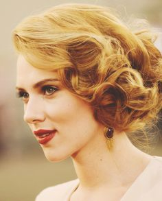 Another vintage updo (would work well for longer hair) and I need my head to look like this on my wedding day!