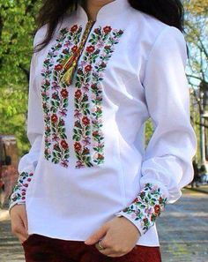 Patterns for vyshivanok circuit 11 Embroidered Clothes, Embroidered Blouse, Chemises Country, Folk Fashion, Womens Fashion, Polish Embroidery, Ethno Style, Mexican Dresses, Blouse Designs