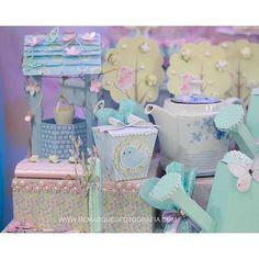 #mulpix Fim de semana passado teve festa Jardim pra Sophia. Decor mais que linda da @mundocaramelofestas. Além do convite muitos mimos fofos pra essa pequena. Nossas gaiolinhas e caixa sushi.  #caixadeguloseimas  #gaiola3d  #festainfantil  #festamenina  #festajardim  #gardenparty  #invitegarden  #invitegardenparty  #scrap  #scrapfesta  #conviteemscrap  #convitepersonalizado  #saladadasartes  #byjackiesotero  #blogencontrandoideias  #encontrandoideias  #entrenafesta  #festascriativas…