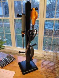 Mug tree for storing scissors - Pickup Some Creativity
