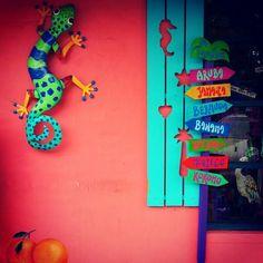 Tropical storefront, Dunedin Florida Really cute stuff inside Caribbean Decor, Caribbean Homes, Case Creole, Dunedin Florida, Downtown Dunedin, Key West Style, Beach Signs, Tropical Decor, Beach Themes