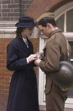 Reviens-moi, Keira Knightley as Cecilia Tallis and James McAvoy as Robbie Turner Keira Knightley, Romantic Movie Quotes, The Last Summer, Foto Baby, Love Is In The Air, Pride And Prejudice, Period Dramas, Gi Joe, Picture Photo