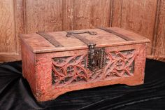 Gothic carved box, mid 15th century, Marhamchurch antiques