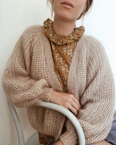 cardigan no. this one is still one of my absolute favourite. i'm dreaming of testing it in the pretty, pretty double soft mohair from… Mohair Sweater, Knit Cardigan, Fall Outfits, Fashion Outfits, Knit Fashion, Winter Looks, Pulls, Lounge Wear, Knitwear