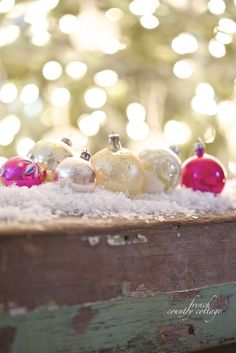 Vintage ornaments (& charming ways to display them) - French Country Cottage Christmas Feeling, Magical Christmas, Winter Christmas, Christmas Home, Vintage Christmas, Christmas Ideas, Merry Christmas, Have A Happy Holiday, Holiday Fun