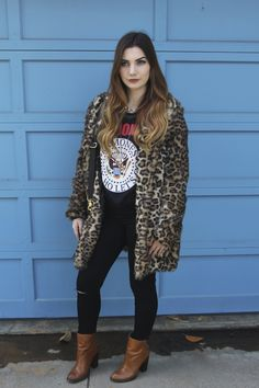 Faux Fur Coat in a San Diego Winter - Asos cheetah trench coat, Chinese Laundry booties, forever 21 ramones tee crop top, knee ripped jeans, stella and dot statement necklace, rais case vida fringe cross body bag, winter fashion, fashion blog by ellie connard LONGHAIRAFFAIR.COM