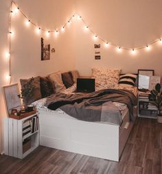 bedroom decor for small rooms & bedroom decor . bedroom decor for couples . bedroom decor for small rooms . bedroom decor master for couples . bedroom decor on a budget Cute Bedroom Decor, Stylish Bedroom, Room Ideas Bedroom, Small Room Bedroom, Diy Bedroom, Bedroom Storage, Bedroom Ideas For Small Rooms Cozy, Bedroom Inspo, Gold Bedroom
