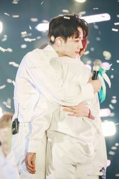190127-Therefore con Day-4 • Lai Kuanlin Missing You So Much, 3 In One, You Are My World, Guan Lin, Lai Guanlin, My Destiny, Dream Boy, Love Me Forever, My Youth