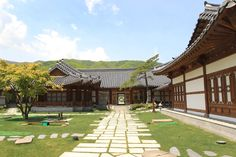 [The Spring landscape of UNAMJEONG; a traditional South korean restaurant]  Photo sketch in the High 1 Ski Resort in Jungsun, South Korea on April 22th, 2013.