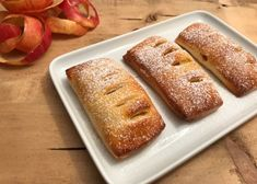 Gedeckter Apfelkuchen - Backen mit Christina Cakes And More, Banana Bread, Muffins, Bakery, Pizza, Desserts, Burger, Donuts, Cute Baking