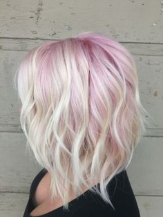 Idée Couleur & Coiffure Femme 2017/ 2018 : Pastel pink and blonde hair pastel ombre long bob