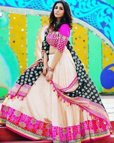 Latest Collection of Lehenga Choli Designs in the gallery. Lehenga Designs from India's Top Online Shopping Sites. Lehenga Choli Designs, Choli Blouse Design, Lehenga Choli Online, Blouse Designs, Sharara Designs, Garba Dress, Navratri Dress, Lehnga Dress, Chaniya Choli For Navratri